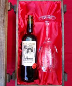 botella de vino y copas personalizadas